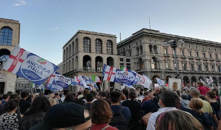 28/08/2021 – Milano, Piazza Duomo